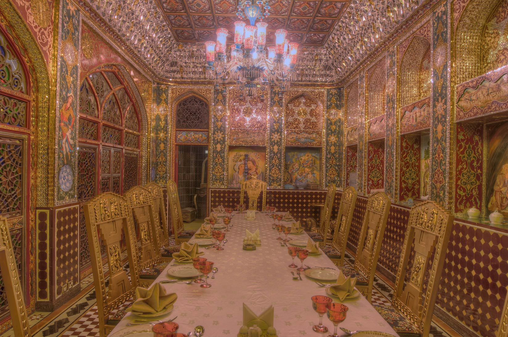 Slideshow 925 20 A Dining Room Of Isfahan Gardens
